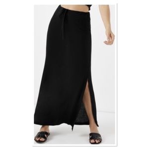 New Directions Black Maxi Skirt w/Side Slit
